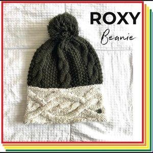 ♦️ 2/$25 • ROXY • Puff Beanie • Green / Cream